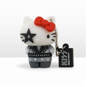 CLE HELLO KITTY KISS STAR 8GO